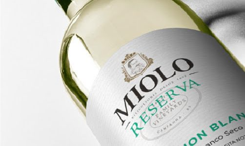 Miolo lança vinho feito de uvas de colheita noturna
